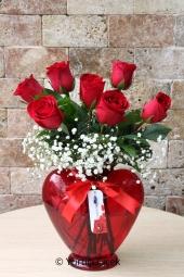 Pembe, Beyaz ve Mor Lisyantüsler : 20 Adet   Sevdiklerinize özel mevsimin en güzel renkli lisyantuslerini cam vazoda gönderin. Güne güzel başlamaları için hoş bir çiçek gönderin.