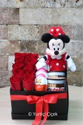 Kırmızı Gerbera : 10 Adet  Sevdiklerinize göndereceğiniz kırmızı gerberalar ile onlara sürprizlerin en güzelini yapacaksınız.
