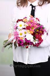 Pembe Ve Mor Mevsim Çiçeklerinden Özel Buket ile Yurtdışına Çiçek Gönderin.